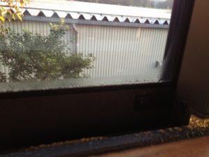 島根県松江市ルラクホーム窓の水滴