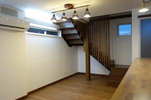 島根県松江市ルラクホーム階段